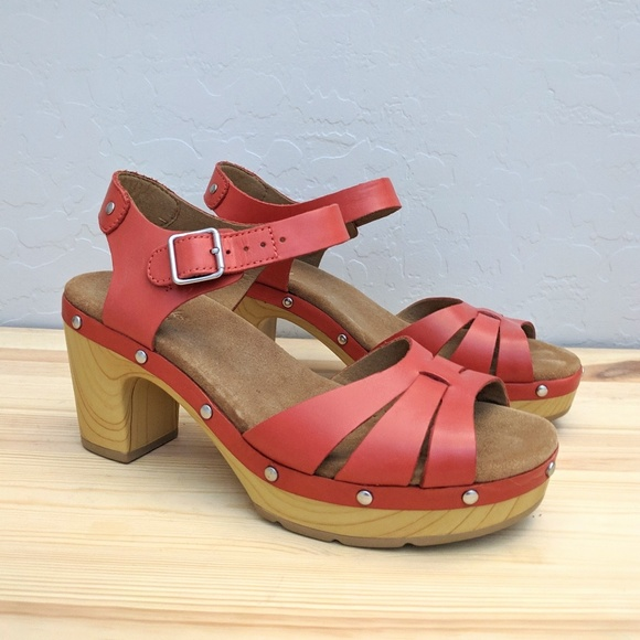 18459df9a662 Clarks Shoes - NWOT Clarks Artisan Ledella Trail Platform Sandals